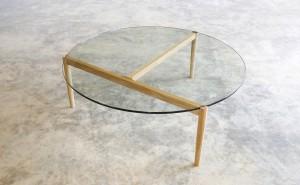 321 Coffee table in oak. D1100 x 390mm